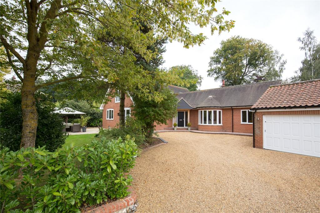 5 Bedrooms Detached House for sale in Gt. Hautbois Road, Coltishall, Norwich, Norfolk, NR12