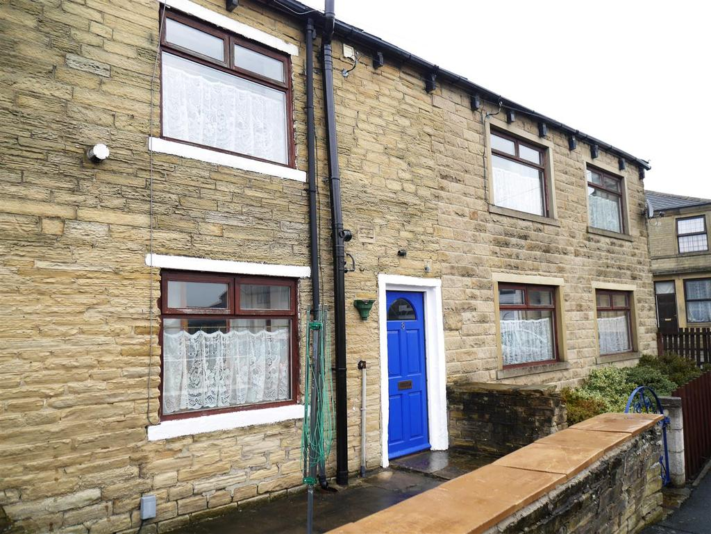 4 Bedrooms Semi Detached House for sale in Westgate, Eccleshill, Bradford, BD2 2DH