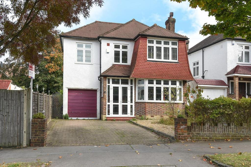 4 Bedrooms Detached House for sale in Shirley Avenue, Croydon