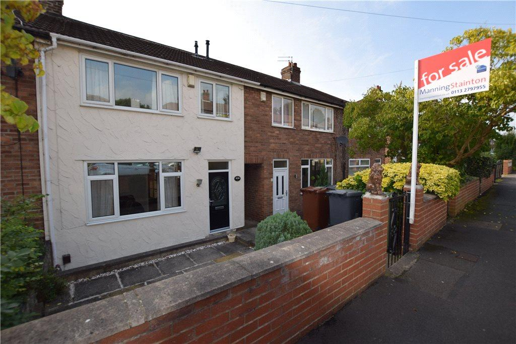 3 Bedrooms Town House for sale in Blue Hill Crescent, Leeds, West Yorkshire