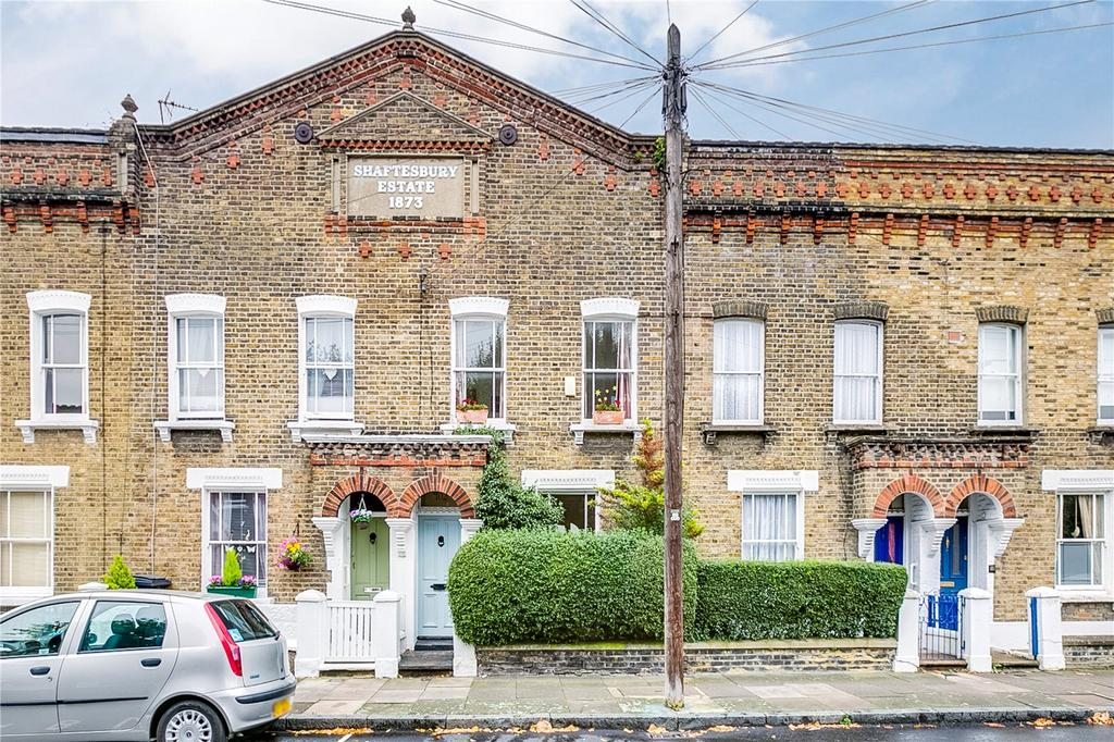 3 Bedrooms Terraced House for sale in Tyneham Road, Battersea, London
