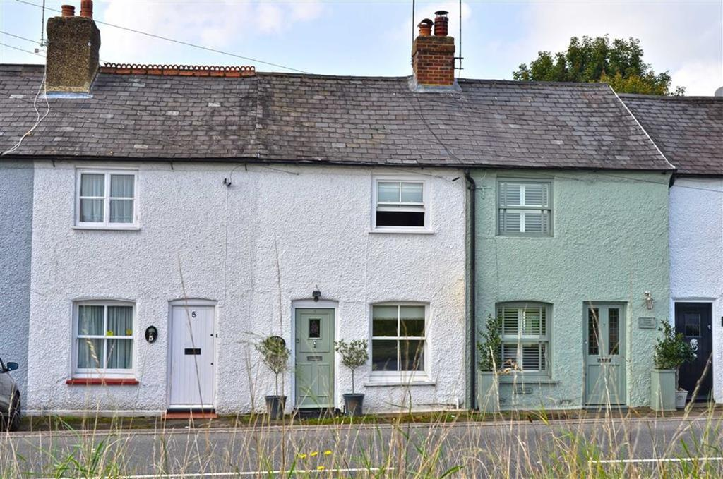 2 Bedrooms Terraced House for sale in Gate Cottages, Chorleywood, Hertfordshire