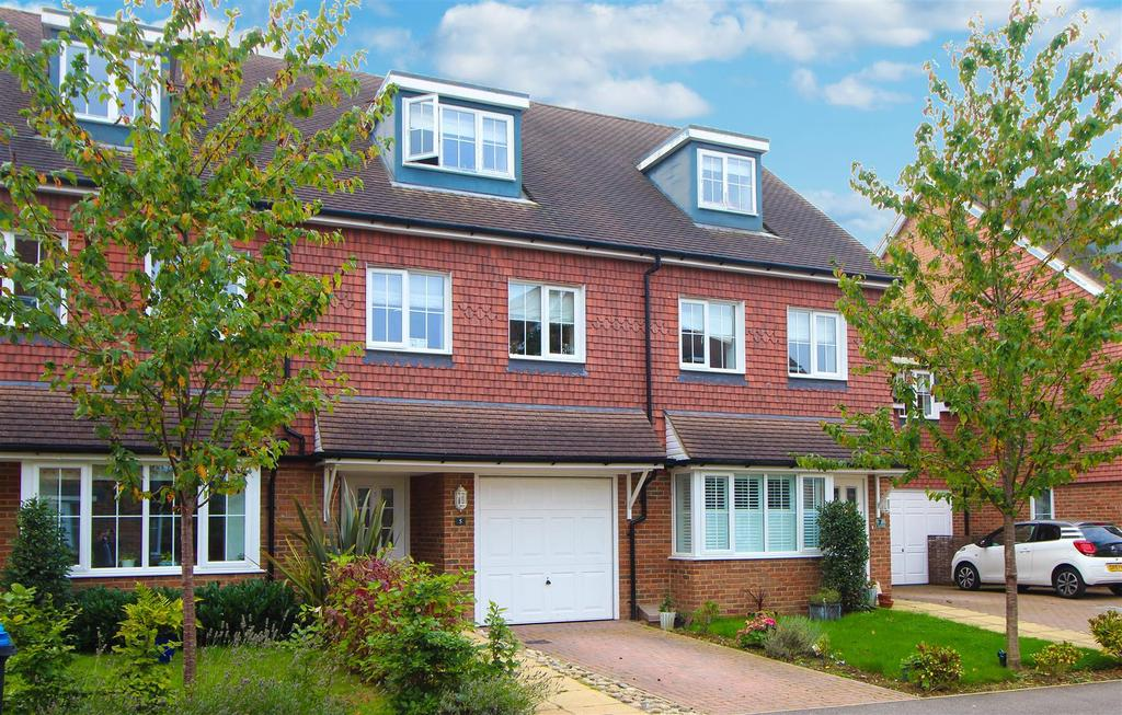 3 Bedrooms Terraced House for sale in Brick Lane, Cuckfield