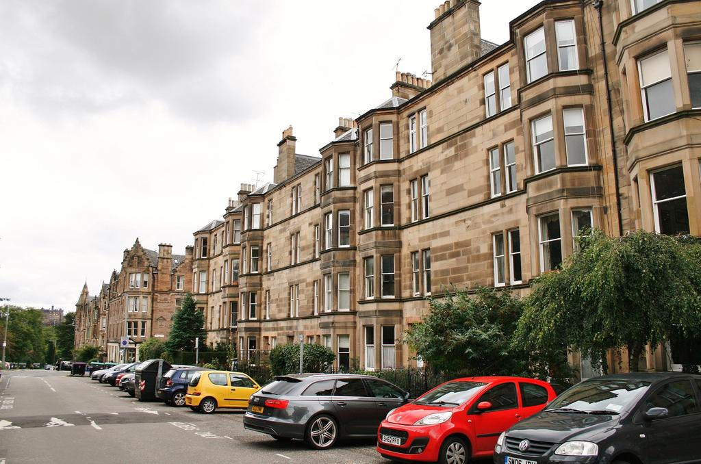 2 Bedrooms Flat for sale in 38/4 Spottiswoode Street, Marchmont, Edinburgh EH9 1DG