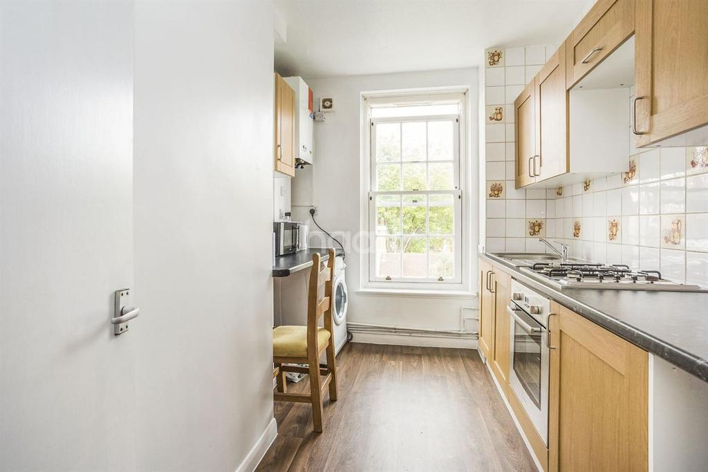 2 Bedrooms Flat for sale in Ferndale Road, Brixton, SW9