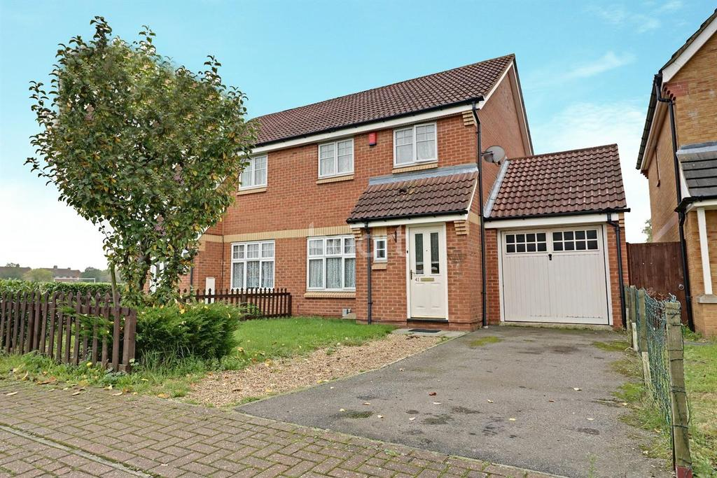 3 Bedrooms Semi Detached House for sale in Next To Playing Fields