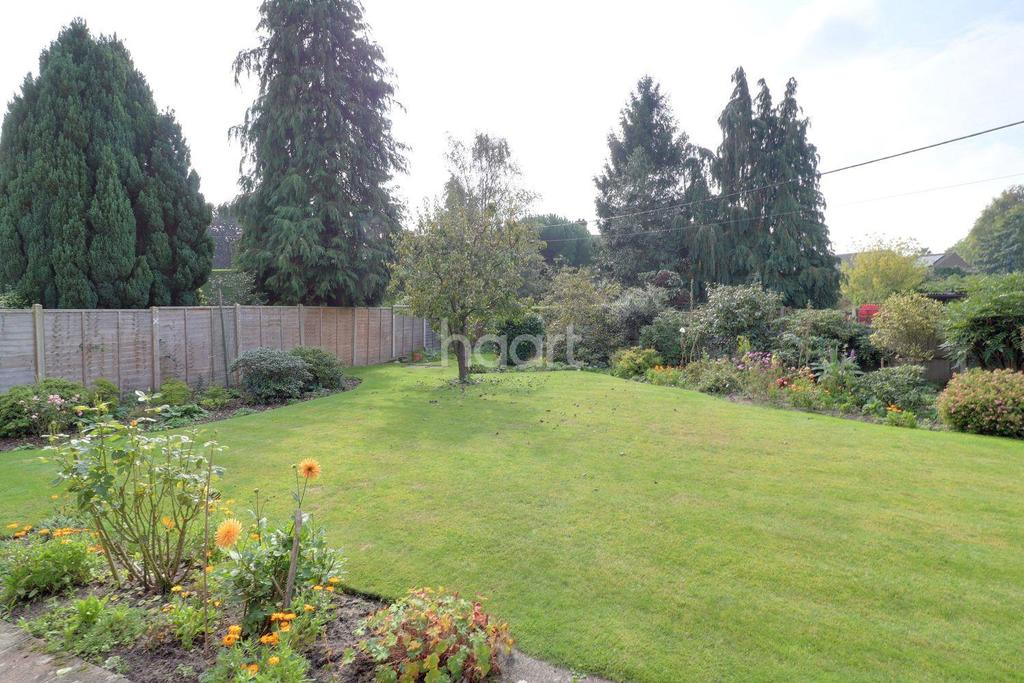 2 Bedrooms Bungalow for sale in Borough Rd, Petersfield