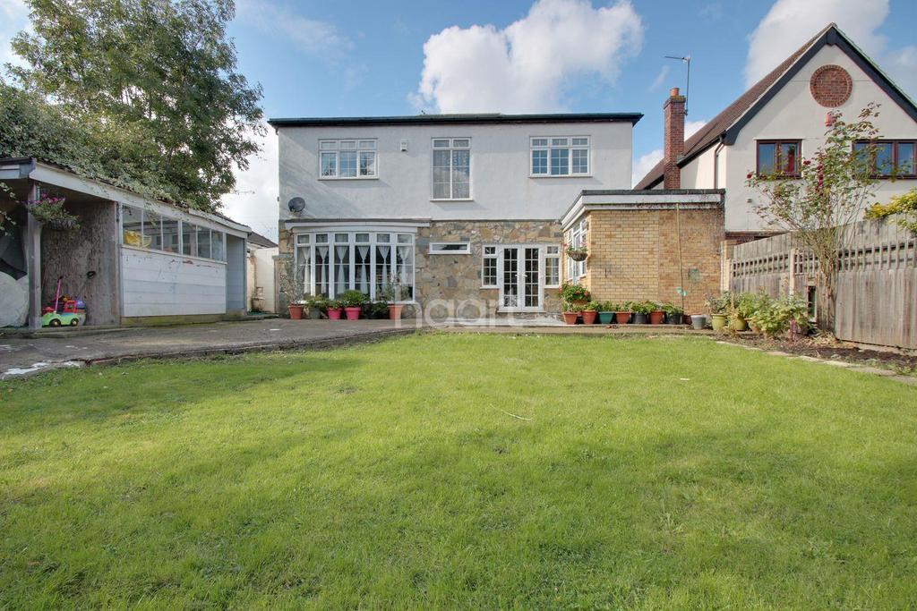 4 Bedrooms Detached House for sale in Church Road, Harold Wood, RM3 0SD