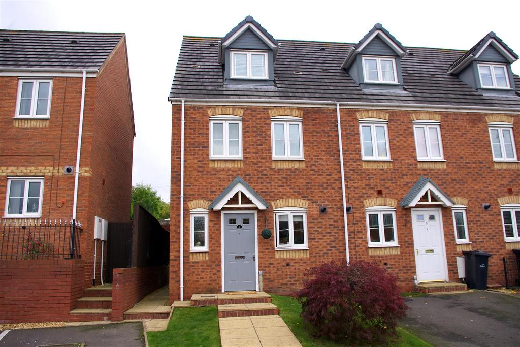 3 Bedrooms Town House for sale in Mapps Close, Halesowen