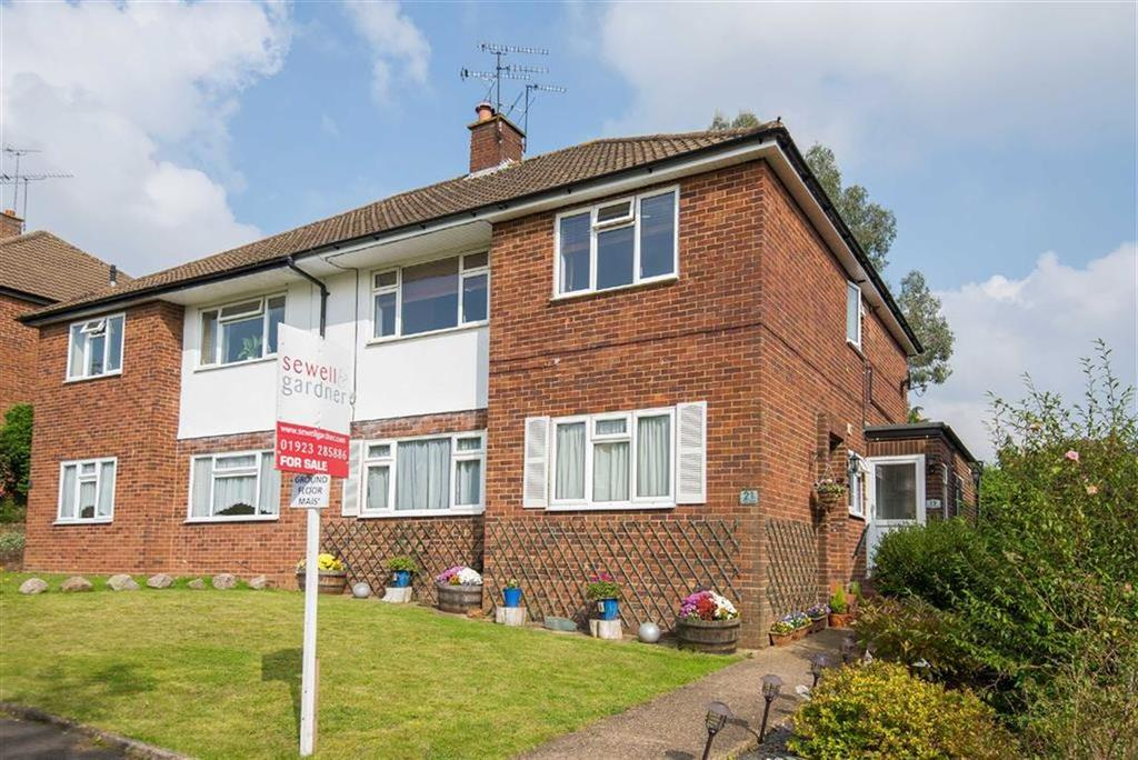 2 Bedrooms Maisonette Flat for sale in Green Street, Chorleywood, Hertfordshire