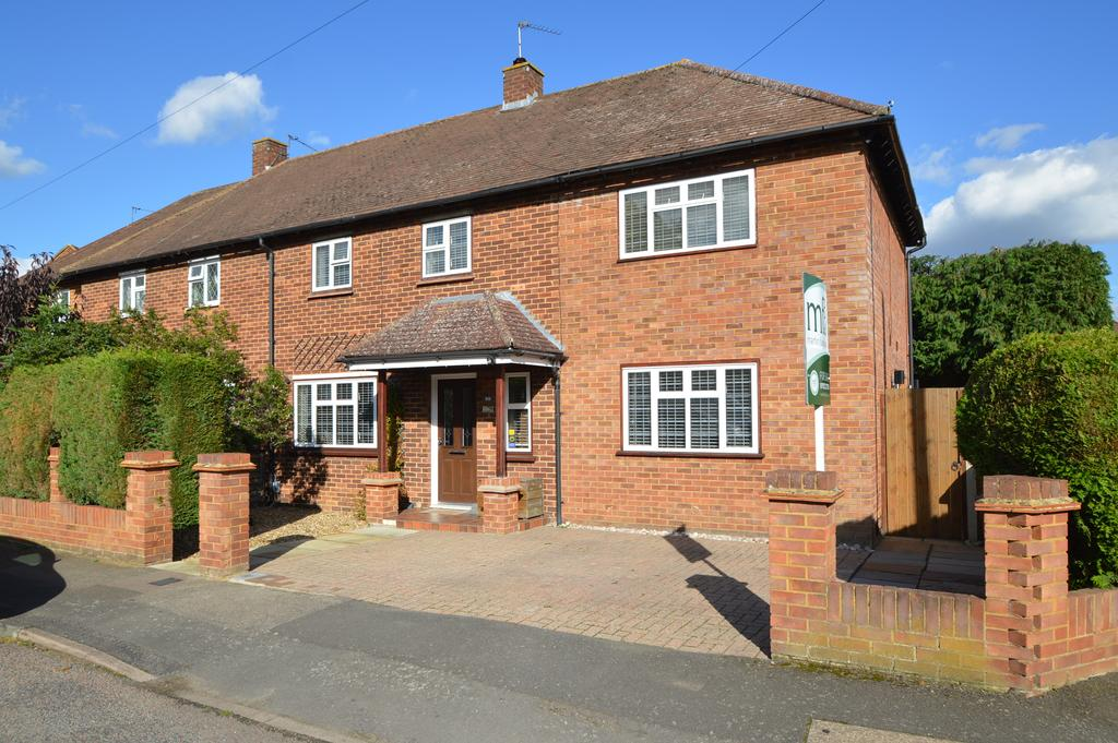 4 Bedrooms Semi Detached House for sale in Beech Close, HERSAM, WALTON ON THAMES KT12