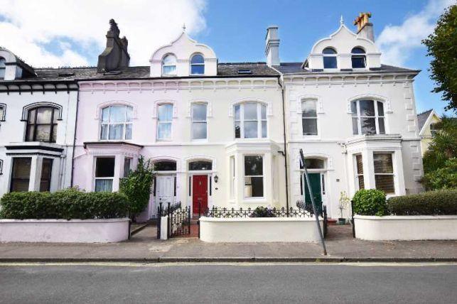 4 Bedrooms House for sale in Woodburn Square, Douglas, IM1 4DE