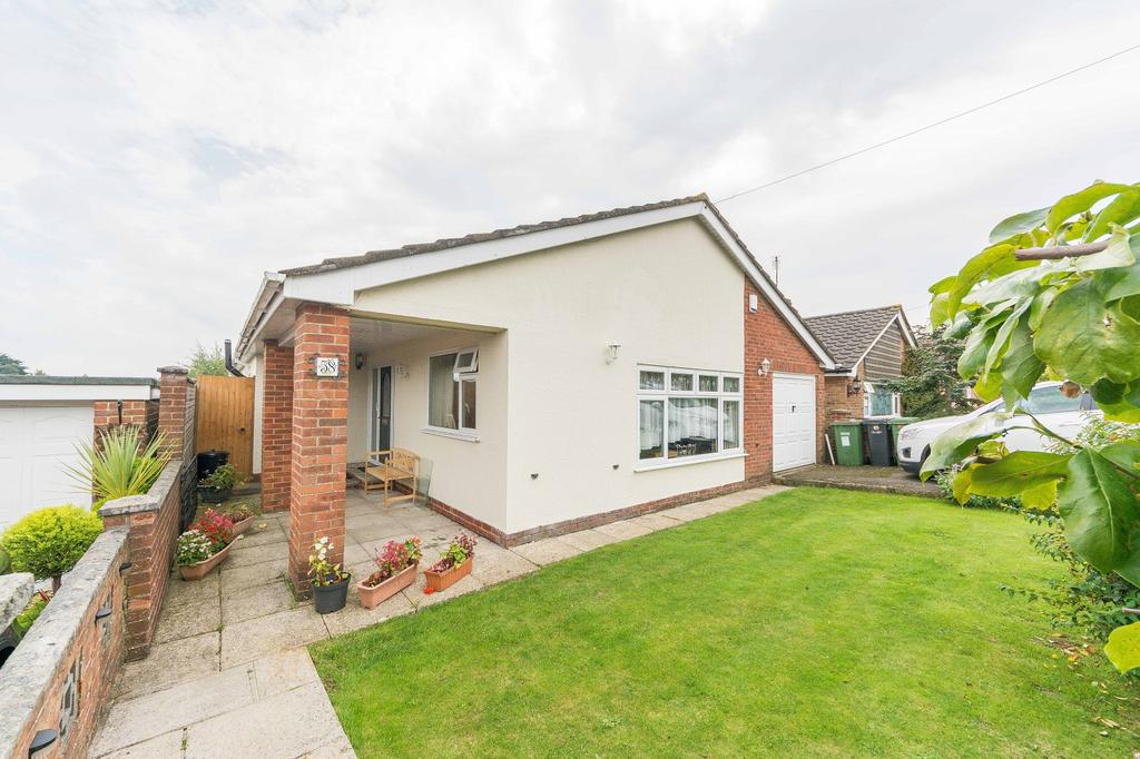 3 Bedrooms Detached Bungalow for sale in Yardley Road, Hedge End, Southampton SO30