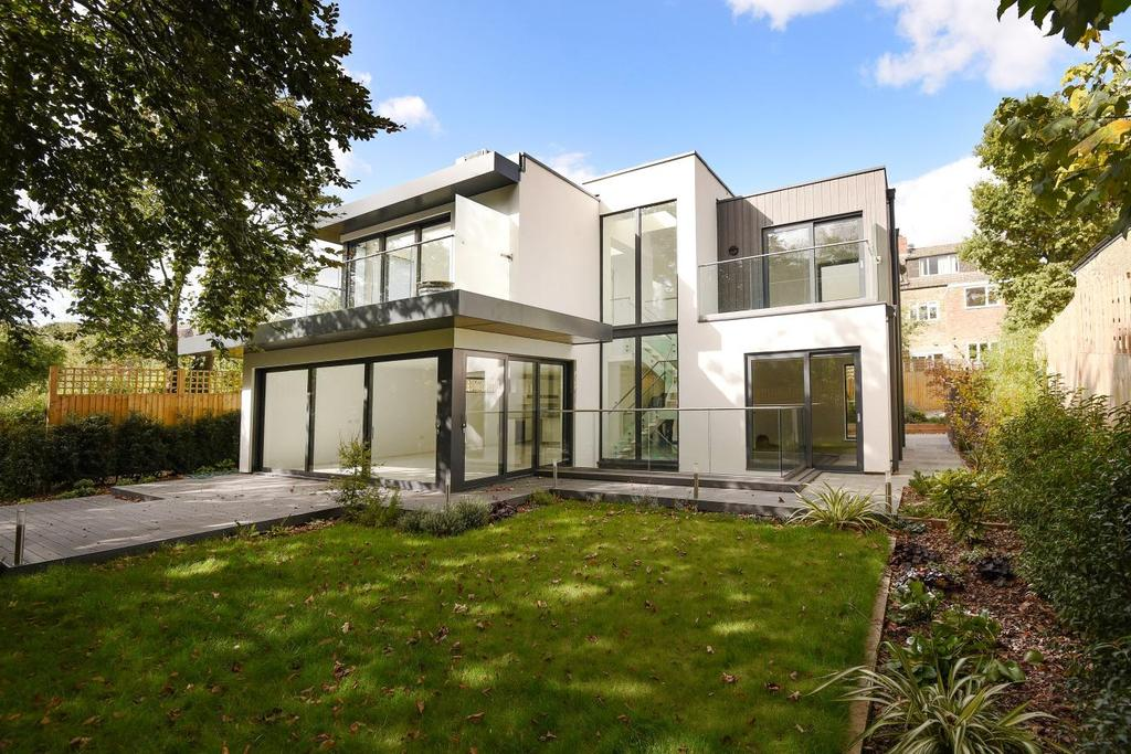 5 Bedrooms Detached House for sale in Stapleton Hall Road, Stroud Green