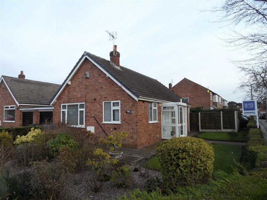 2 Bedrooms Detached Bungalow for sale in Eastleigh Road, Heald Green