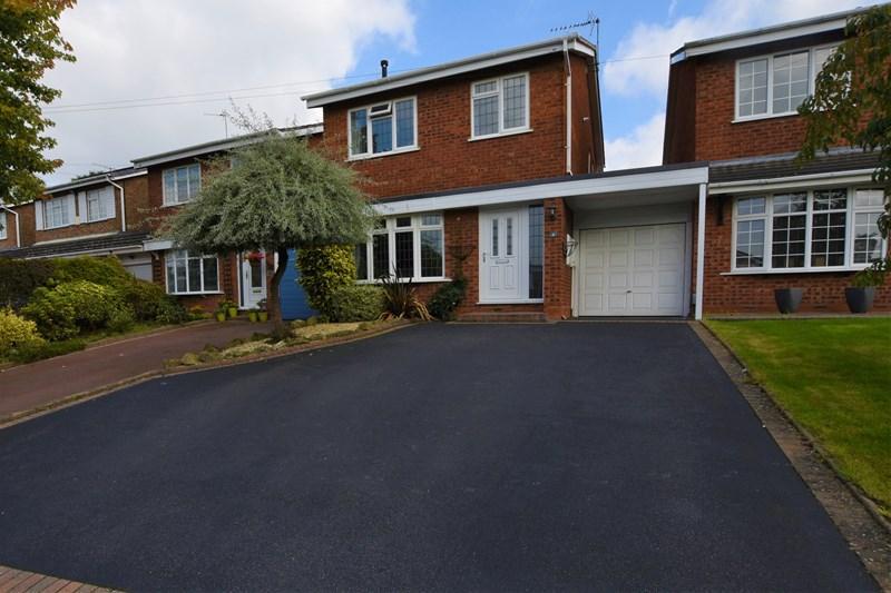 3 Bedrooms Link Detached House for sale in Westdean Close, Halesowen