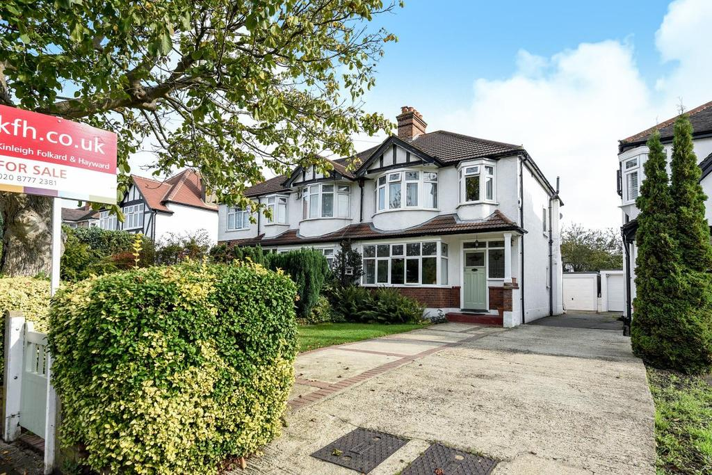 3 Bedrooms Semi Detached House for sale in Wickham Chase, West Wickham
