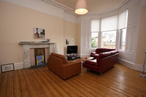 3 bedroom property to rent - Hillhead Street, Hillhead, Glasgow, G12 8PZ