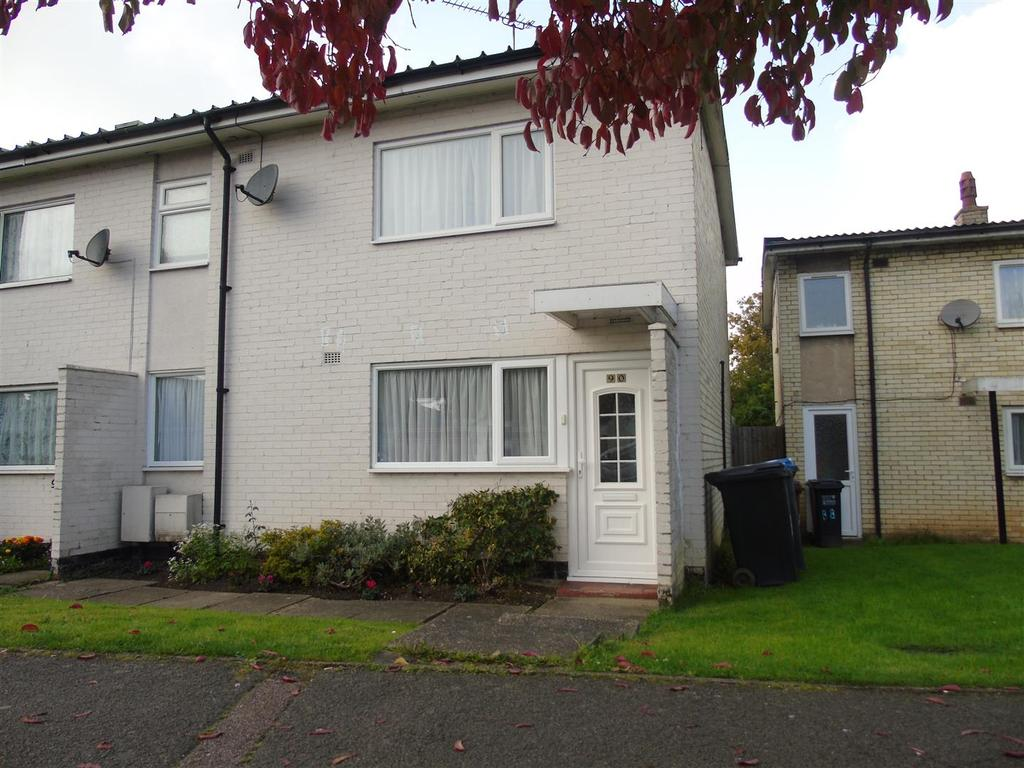 3 Bedrooms Semi Detached House for sale in Bishops Rise, Hatfield