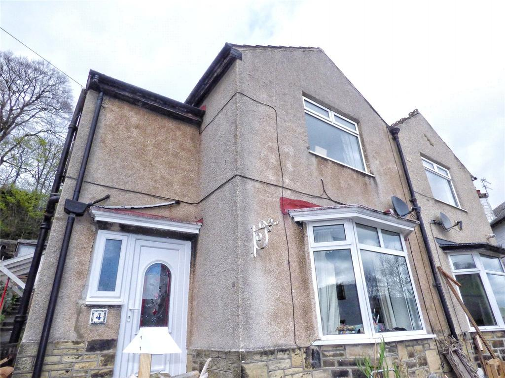 3 Bedrooms Semi Detached House for sale in Parkfield Drive, Sowerby Bridge, West Yorkshire, HX6