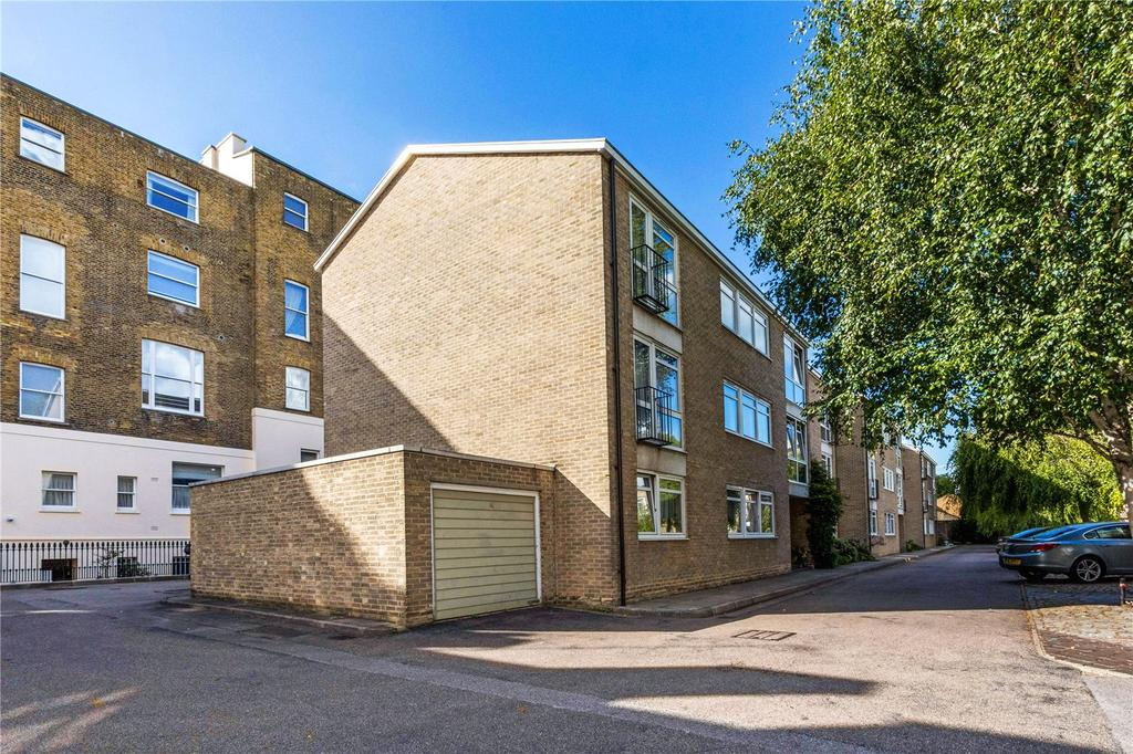 2 Bedrooms Flat for sale in Chester Close South, London, NW1