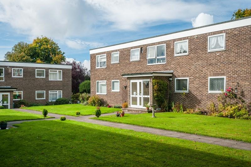 2 Bedrooms Apartment Flat for sale in Hempstead Road, Uckfield