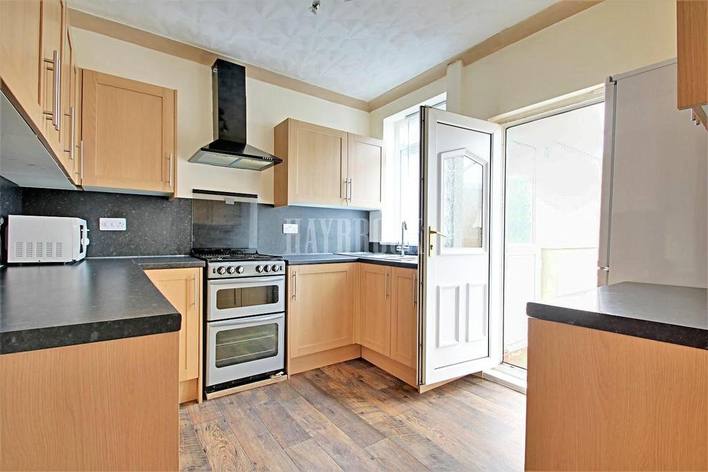 3 Bedrooms Semi Detached House for sale in Vickers Road, Firth Park