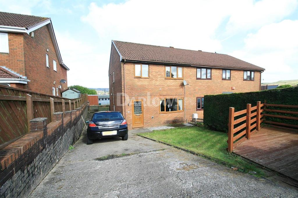 3 Bedrooms Semi Detached House for sale in Brynhelig Villas, Ebbw vale, Gwent
