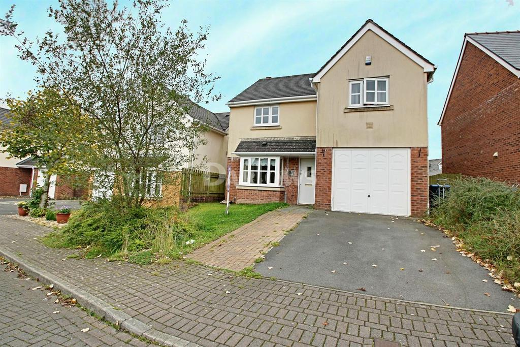 4 Bedrooms Detached House for sale in Lakeside Avenue, Nantyglo, Blaenau Gwent