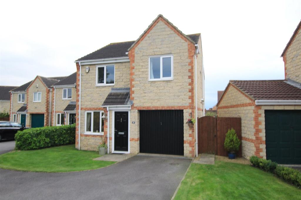 3 Bedrooms Detached House for sale in Ashtree Close, Newton Aycliffe