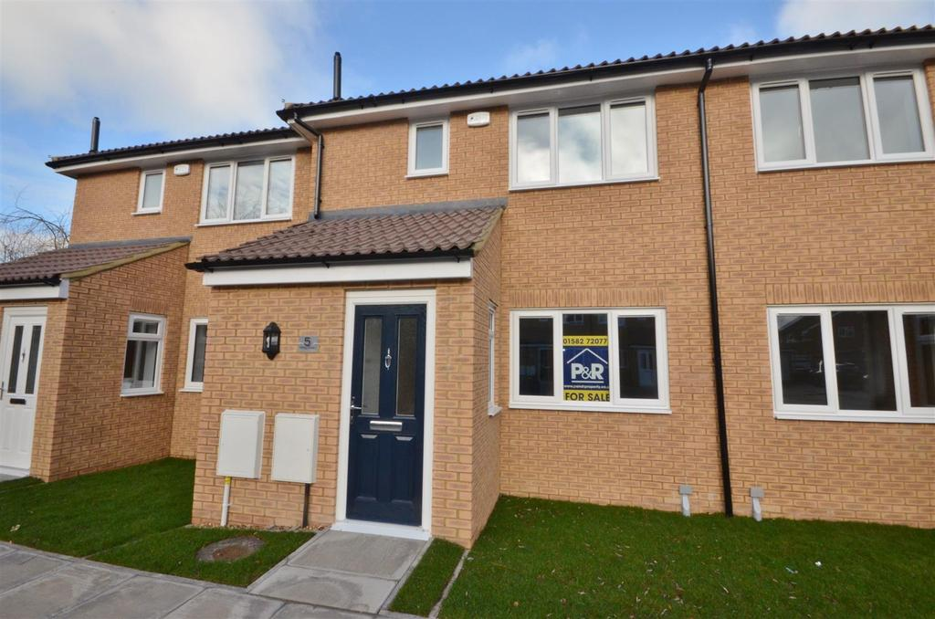 3 Bedrooms Terraced House for sale in Viking Close, Barton-Le-Clay