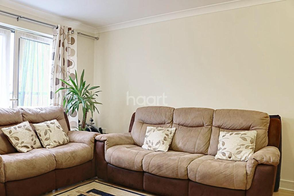 2 Bedrooms Flat for sale in Damask Court, Sutton, SM1