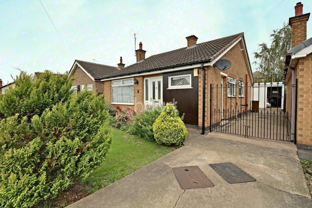 2 Bedrooms Bungalow for sale in Walesby Crescent, Aspley