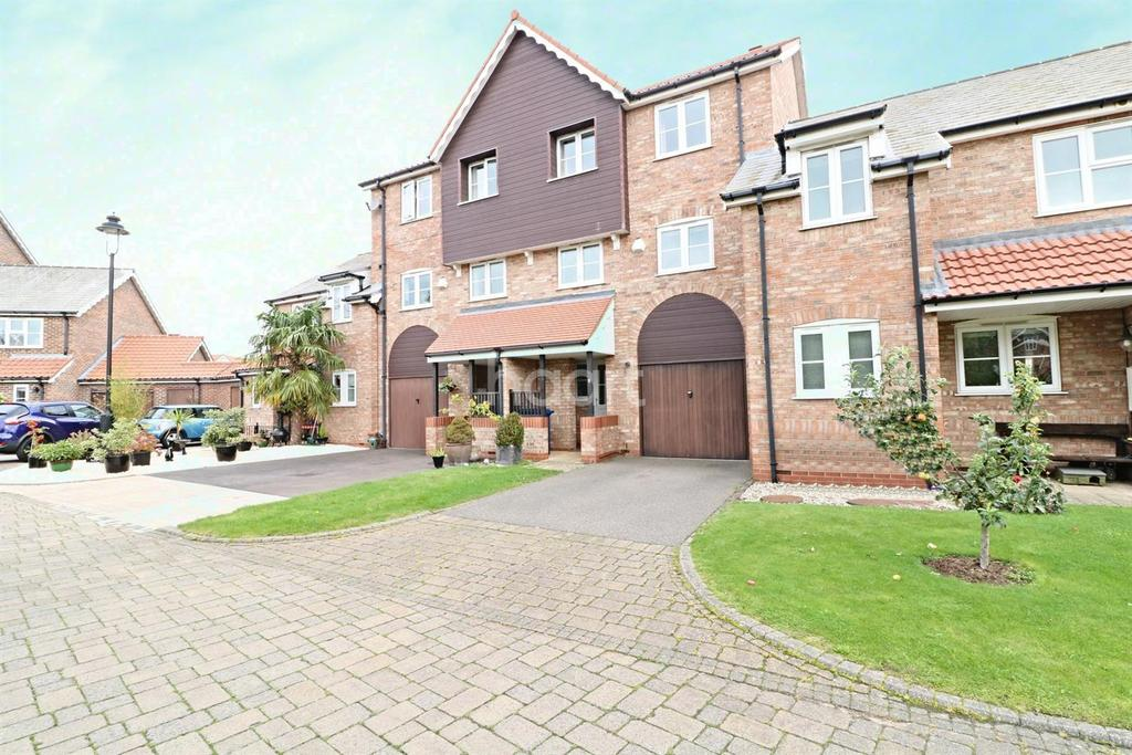 4 Bedrooms Terraced House for sale in Burton Waters, Lincoln