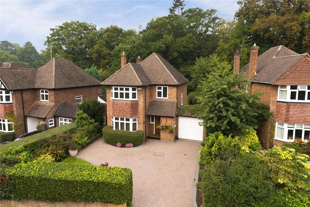 3 Bedrooms Detached House for sale in Spenser Avenue, Weybridge, KT13