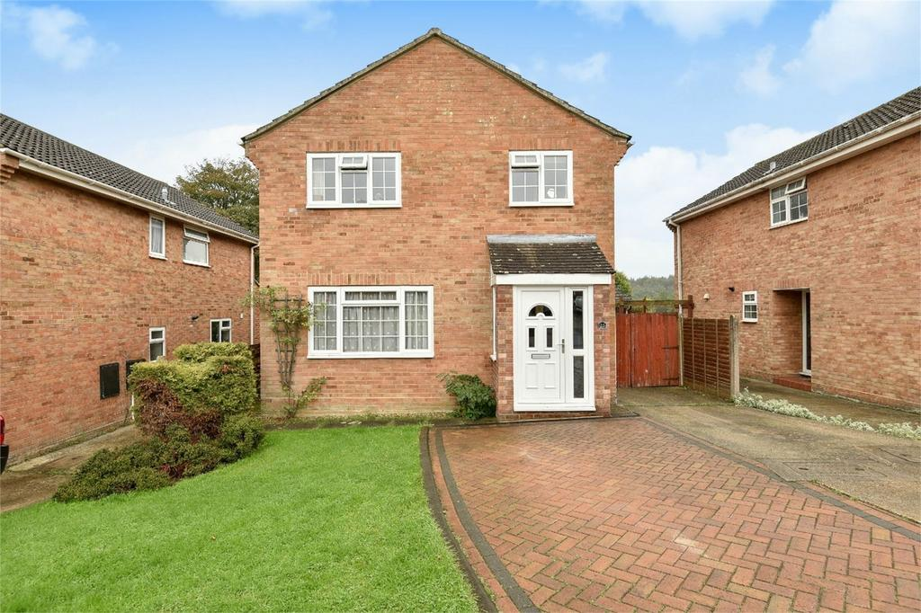 4 Bedrooms Detached House for sale in Dartington Road, Bishopstoke, Eastleigh, Hampshire