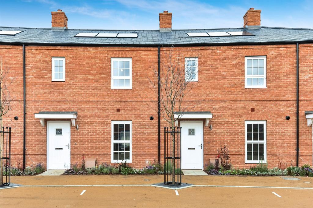3 Bedrooms Terraced House for sale in Carnaval Gardens, Fair Oak, Hampshire