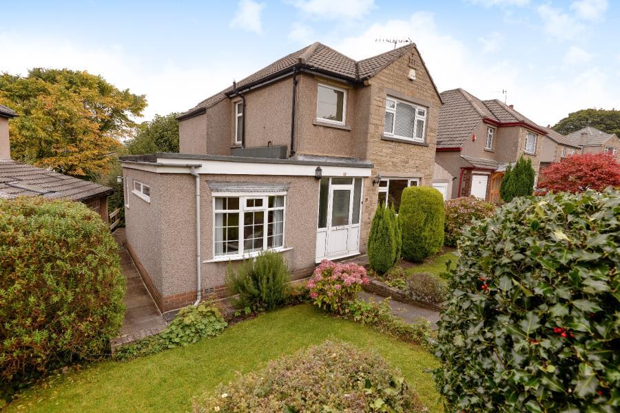 3 Bedrooms Detached House for sale in ROUNDWOOD, SHIPLEY, BD18 4JP