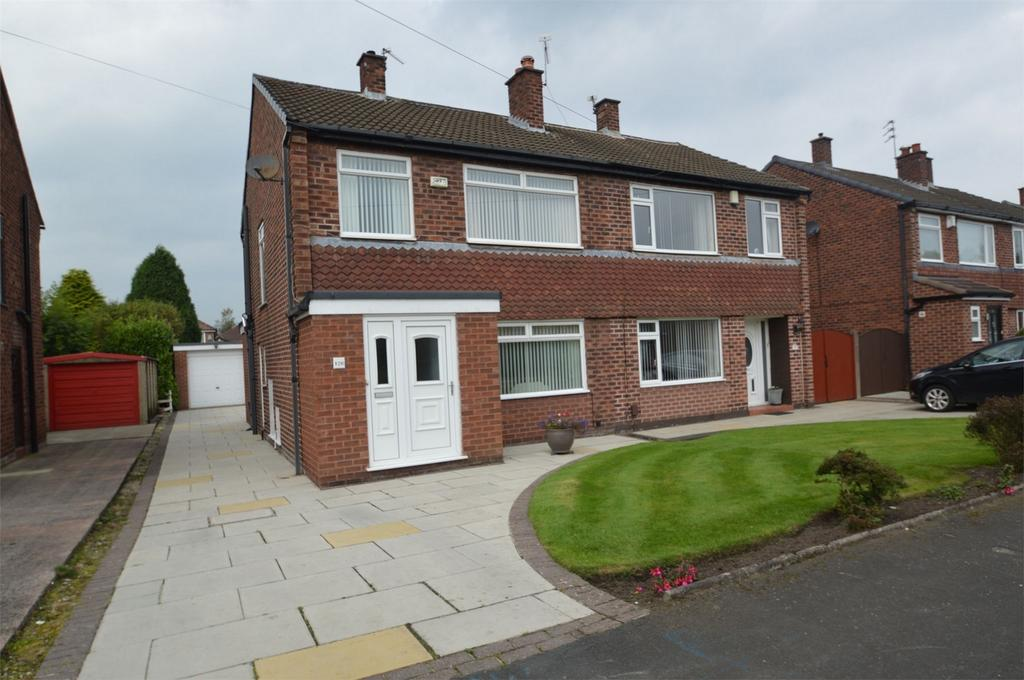 3 Bedrooms Semi Detached House for sale in Arnesby Avenue, SALE, Cheshire