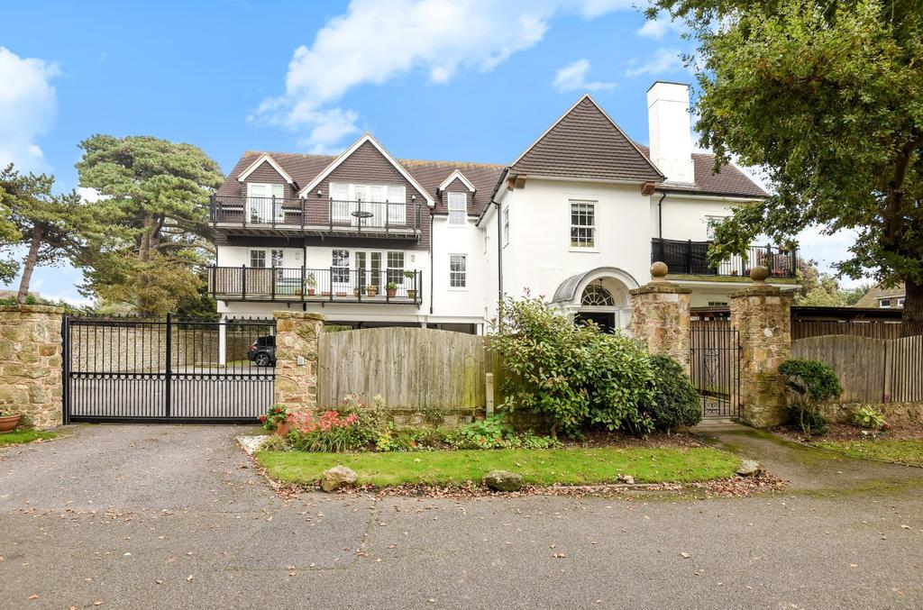 2 Bedrooms Flat for sale in Mariners, Aldwick Avenue, Aldwick, Bognor Regis, PO21