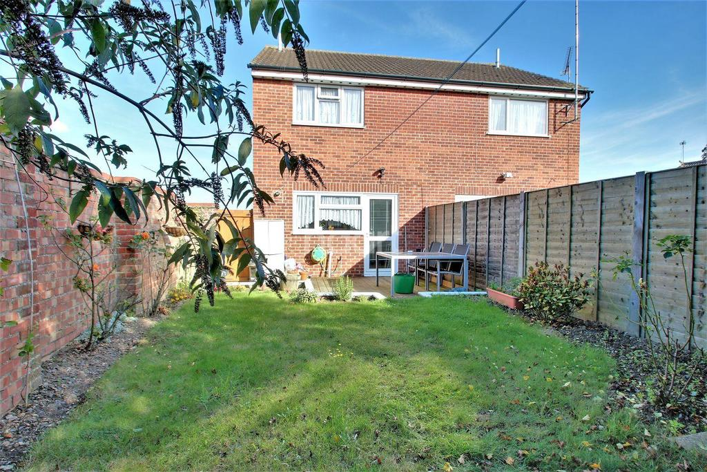 2 Bedrooms Semi Detached House for sale in Cann Hall