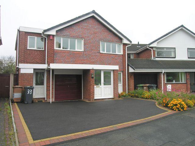 5 Bedrooms Detached House for sale in St Ives Road,Park Hall,Walsall