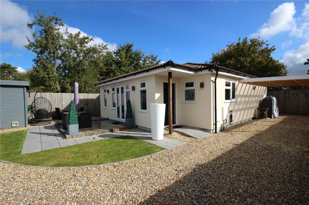 2 Bedrooms Detached Bungalow for sale in Redfield Road, Patchway, Bristol, BS34