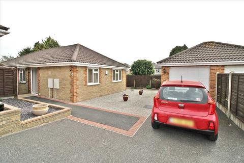 3 bedroom bungalow for sale - Oak Gardens, Bournemouth