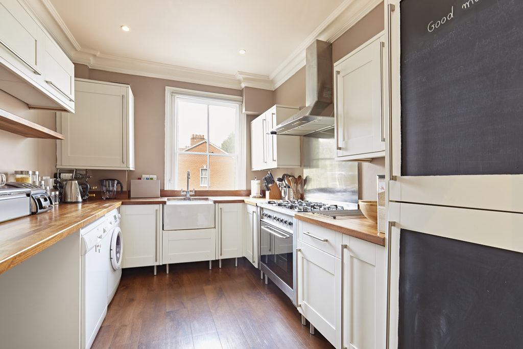 3 Bedrooms Maisonette Flat for sale in Valetta Road, Shepherds Bush, London, W3