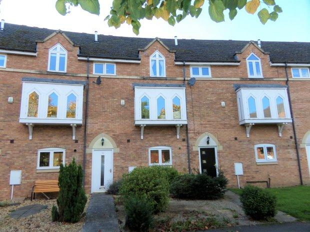 4 Bedrooms Town House for sale in ST. LUKES CRESCENT, SEDGEFIELD, SEDGEFIELD DISTRICT
