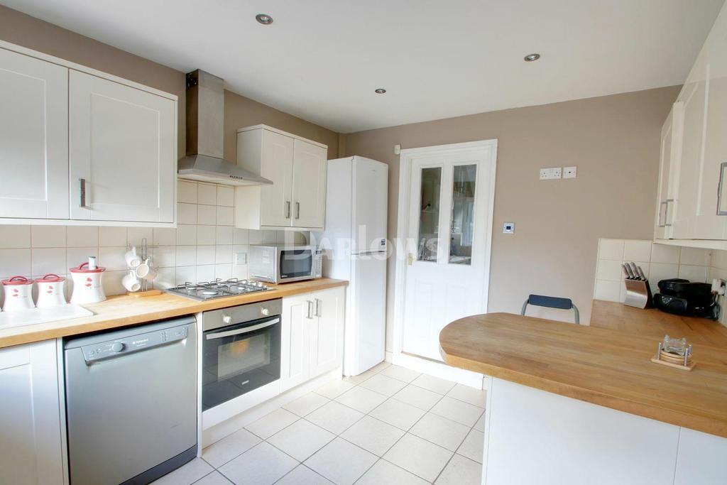 5 Bedrooms Terraced House for sale in Longcross Street, Cardiff