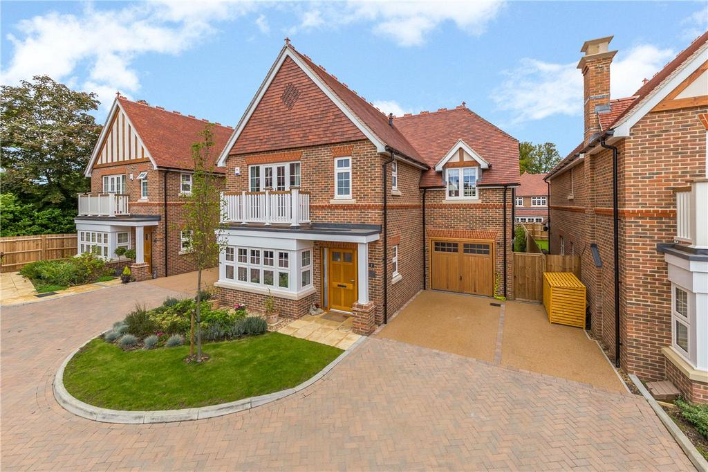 4 Bedrooms Detached House for sale in Chatt Court, Welwyn, Hertfordshire