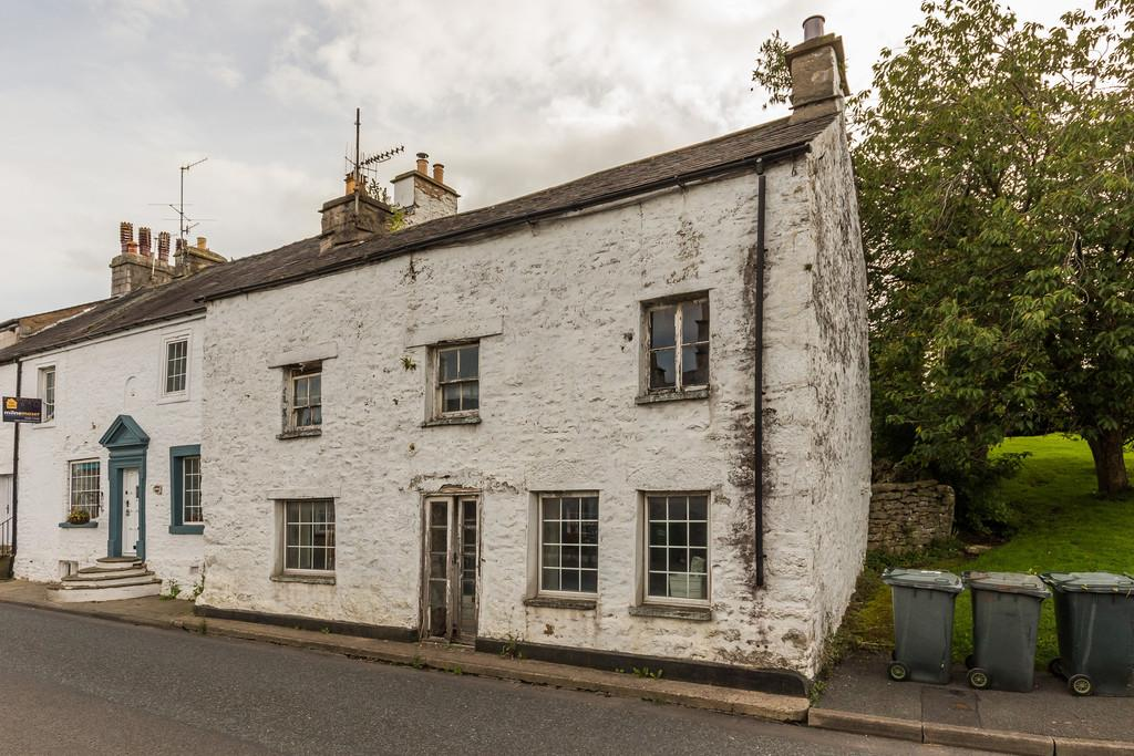 3 Bedrooms Cottage House for sale in Lee House, Main Street, Burton in Kendal, LA6 1LR