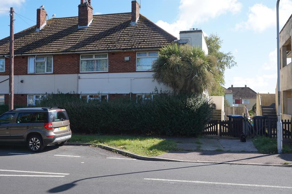 2 Bedrooms Maisonette Flat for sale in Stirling Way, Ramsgate, Kent, CT12 6NF